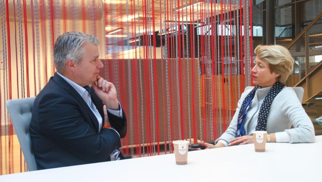 overleg oude en nieuwe directeur veiligheidsregio ijsselland