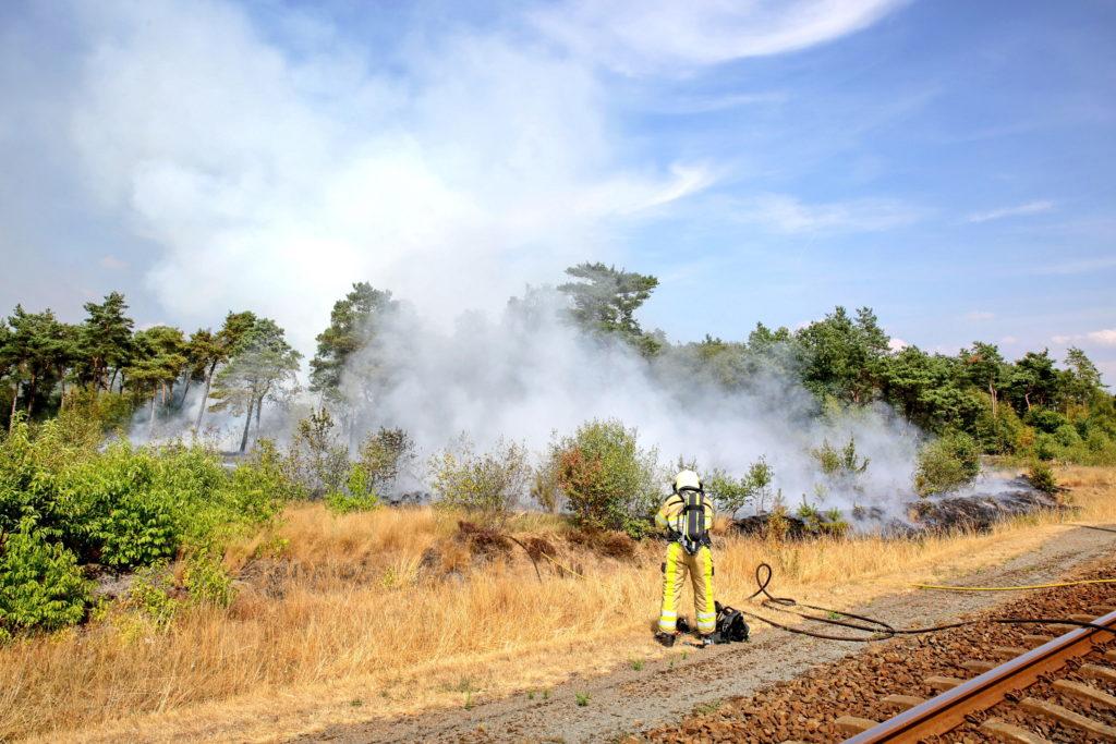 brandweer bij natuurbrand